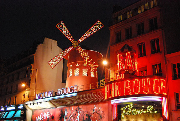 El Moulin Rouge en París