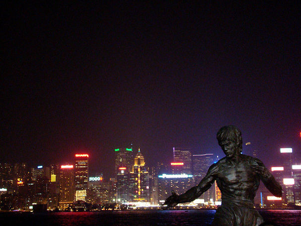 Estatua de Bruce Lee en Hong Kong