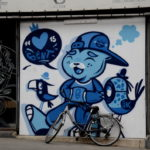 Fotos de Gante, ruta street art Bue the warrior azul y bici